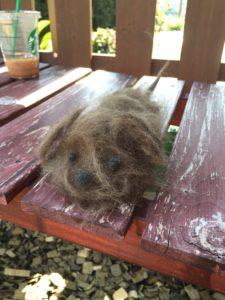 抜け毛で作った犬人形